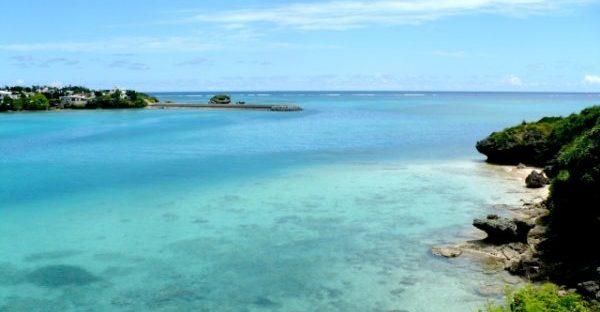 沖縄県民も集まる絶景スポット「海中道路」